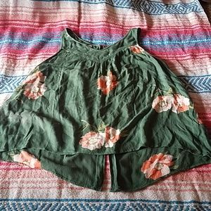 3/$20 Flowy oneil floral top